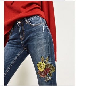 Zara Embroidered MidRse Distressed Skinny Jeans 2
